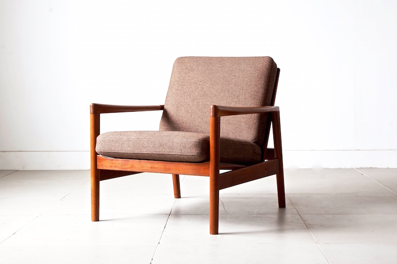 Eazy chair by Hans Olsen