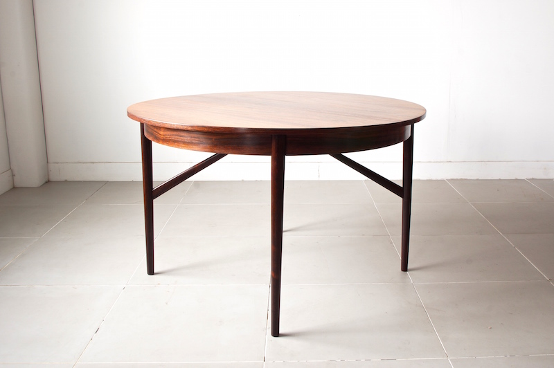 Dining table (rosewood)