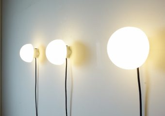 Milky wall lamp