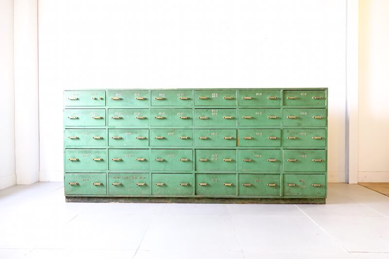Mint counter cabinet