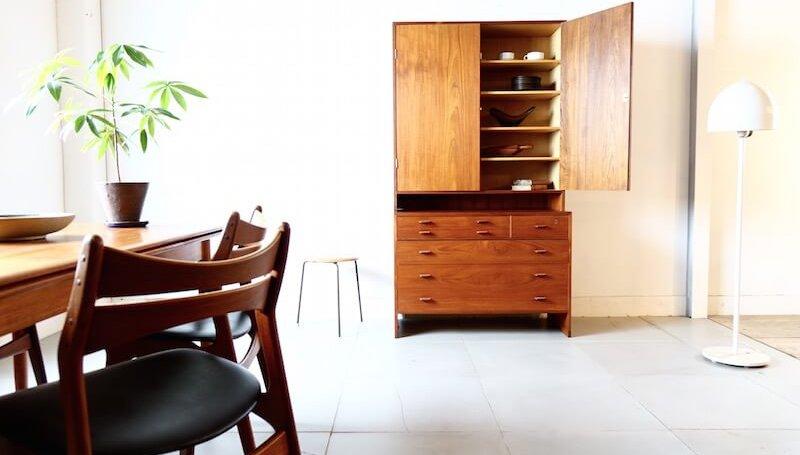 Cabinet (teak) by Hans J. Wegner for RY mobler