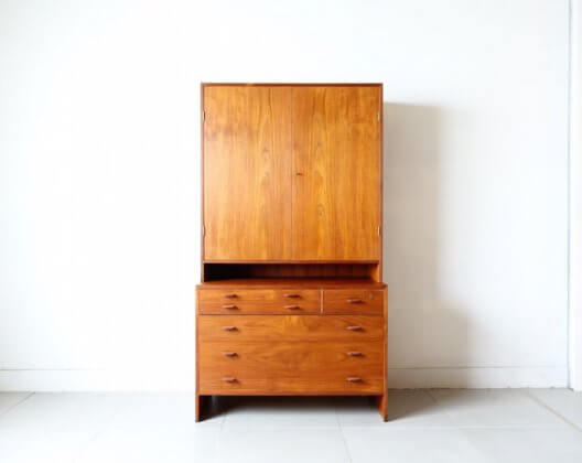 Cabinet (teak) by Hans J. Wegner for RY mobler