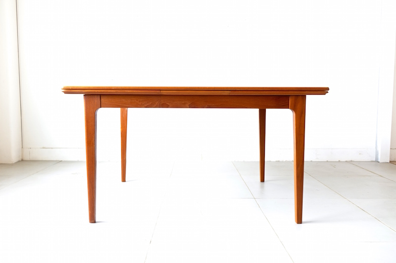 Dining table by Johannes Andersen