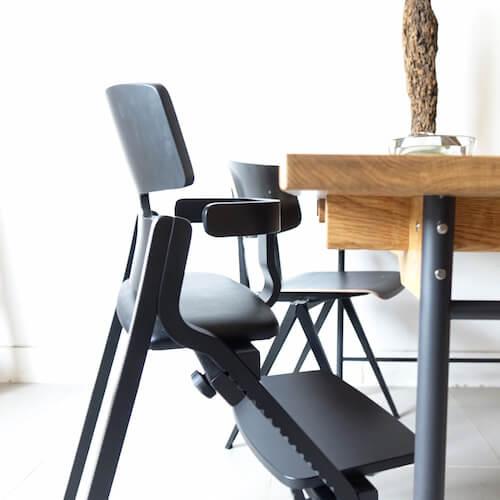 Upright Chair by Toyomoku /アップライトチェア