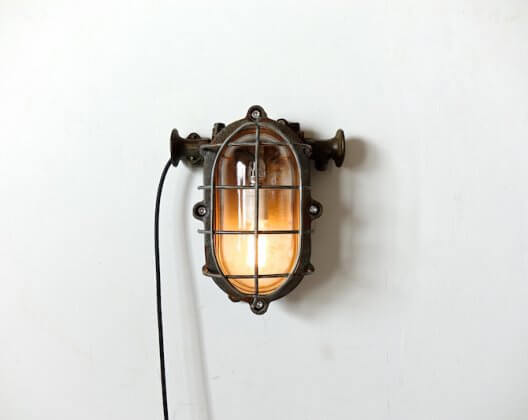 Industrial wall lamp / インダストリアル ランプ