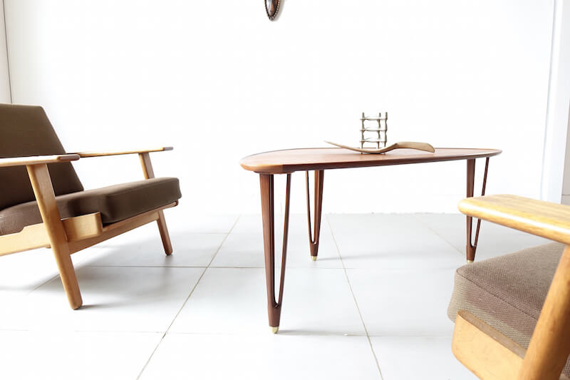 Tripod Coffee Table by BC Mobler / ヴィンテージ 北欧家具