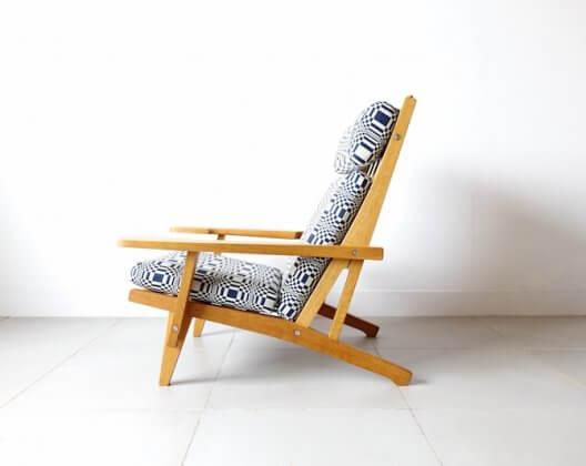 GE375 Eazy chair by Hans J. Wegner / Doris