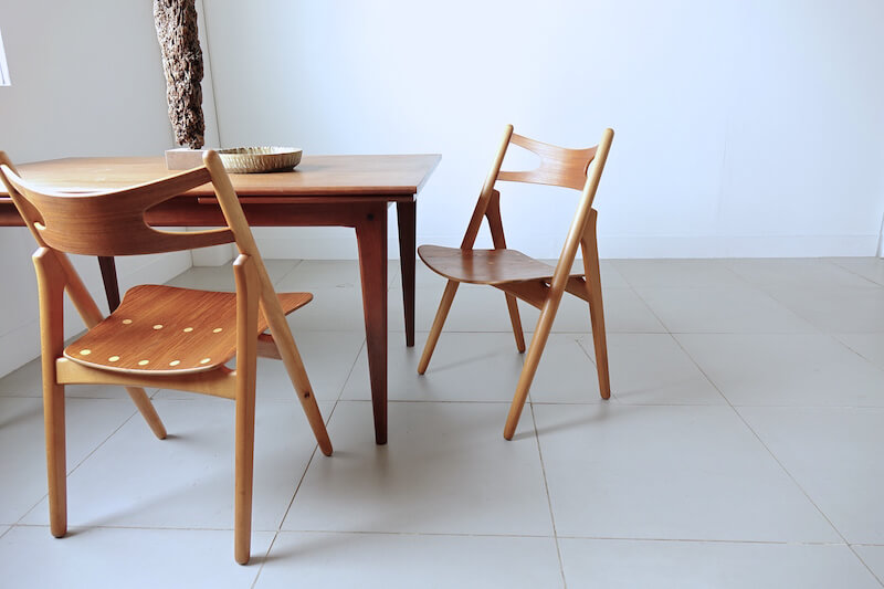 CH29 Sawbuck chairs/First edition by Hans J. Wegner