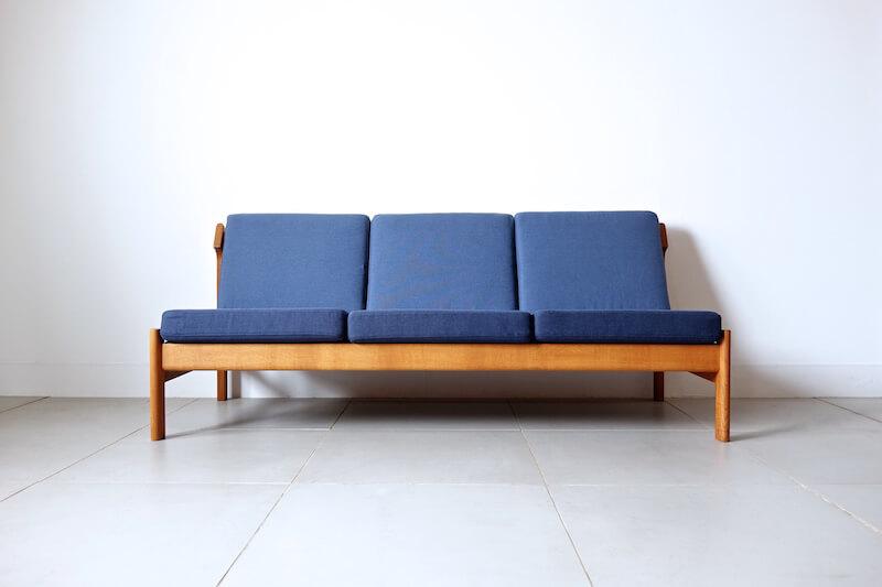 Model.2217 sofa by Borge Mogensen