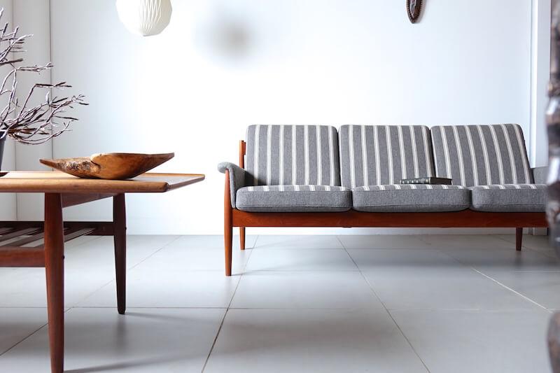Three seat sofa by Grete Jalk グレーテヤルク ソファ
