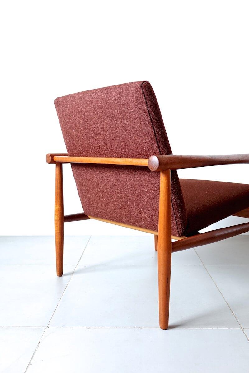 Eazy chair by Kai Lyngfeldt-Larsen カイ リンフェルド ラーセン