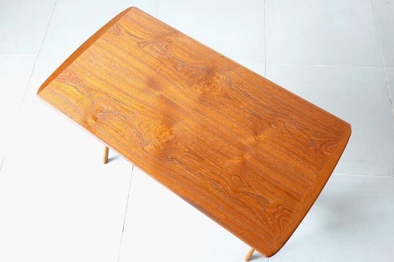 Danish unsigned table 北欧ヴィンテージテーブル