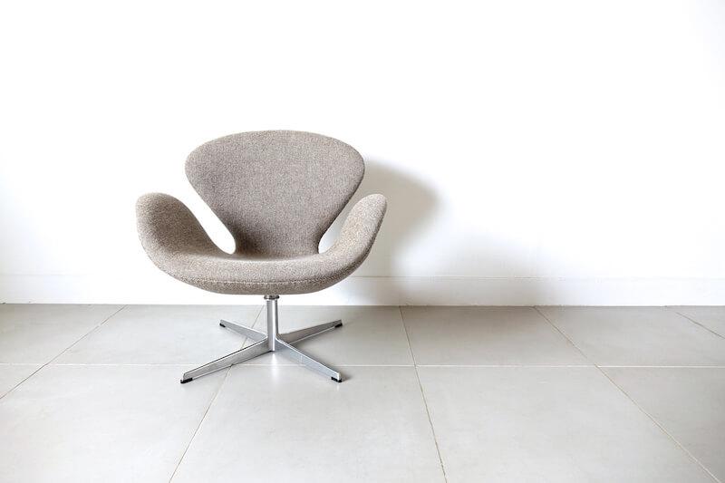 Swan chair by Arne Jacobsen アルネ・ヤコブセン スワンチェア