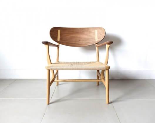 CH22 lounge chair by Hans J. Wegner
