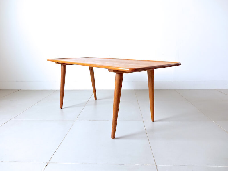 AT11 Coffee table by Hans J. Wegner for Andreas Tuck