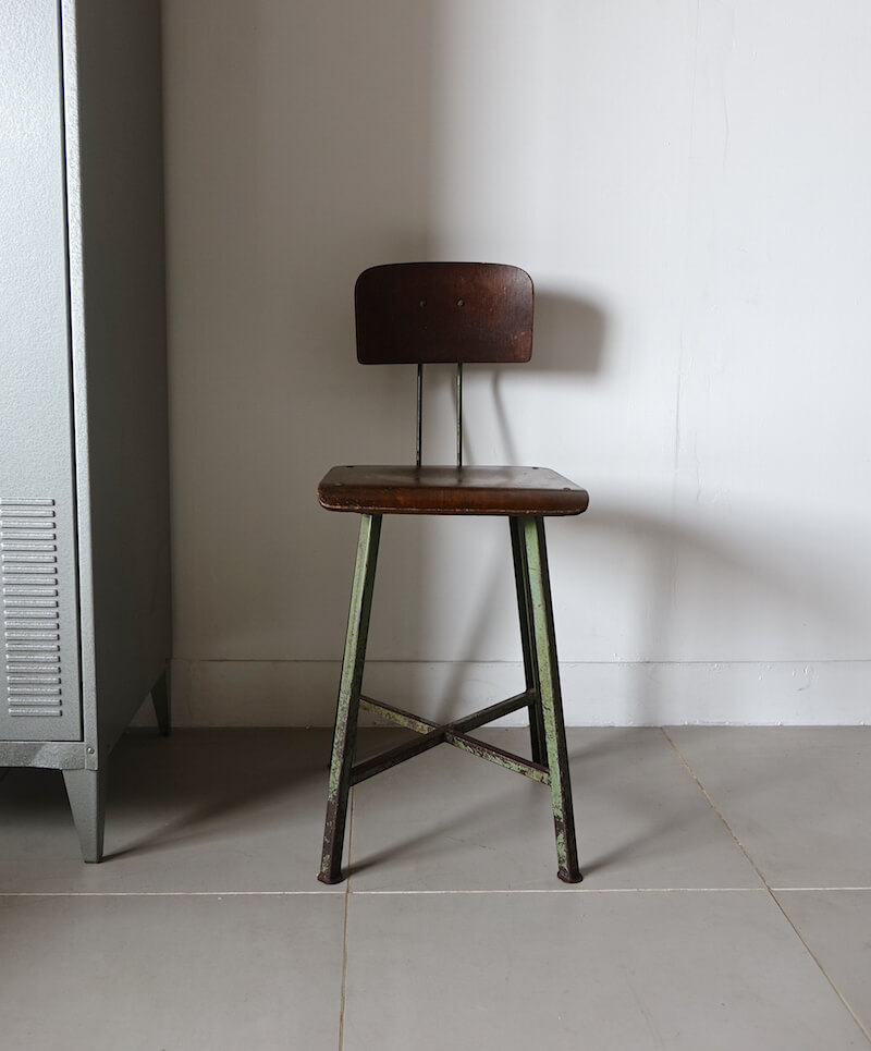 Industrial work stool