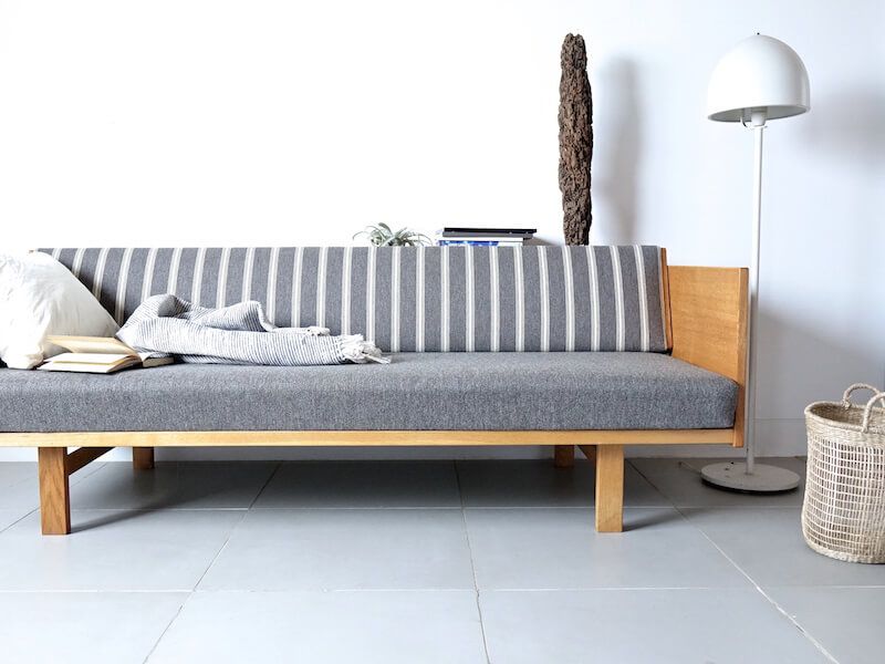 "Day bed ""GE259"" by Hans J. Wegner"