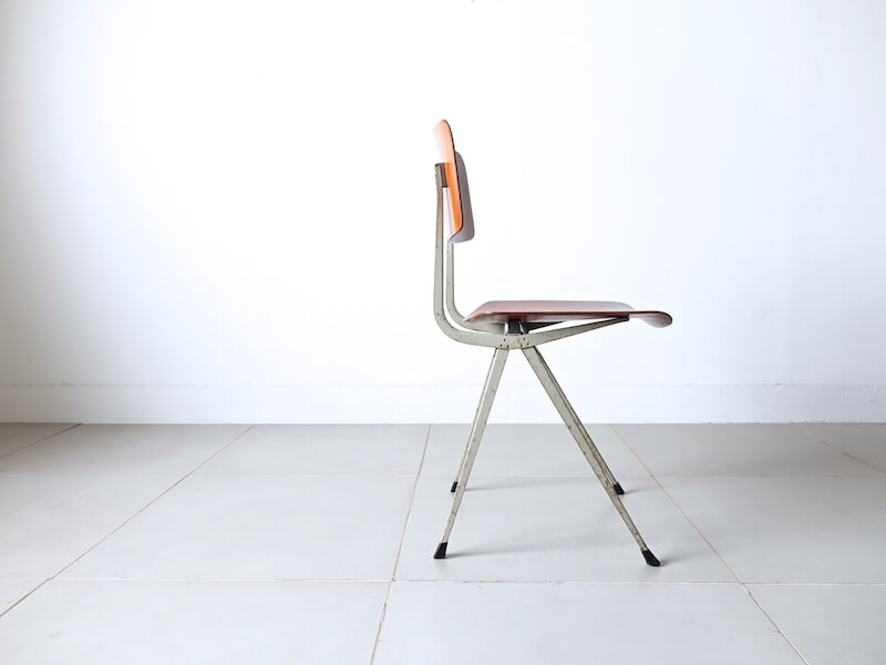 Result chair by Friso Kramer & Wim Rietveld
