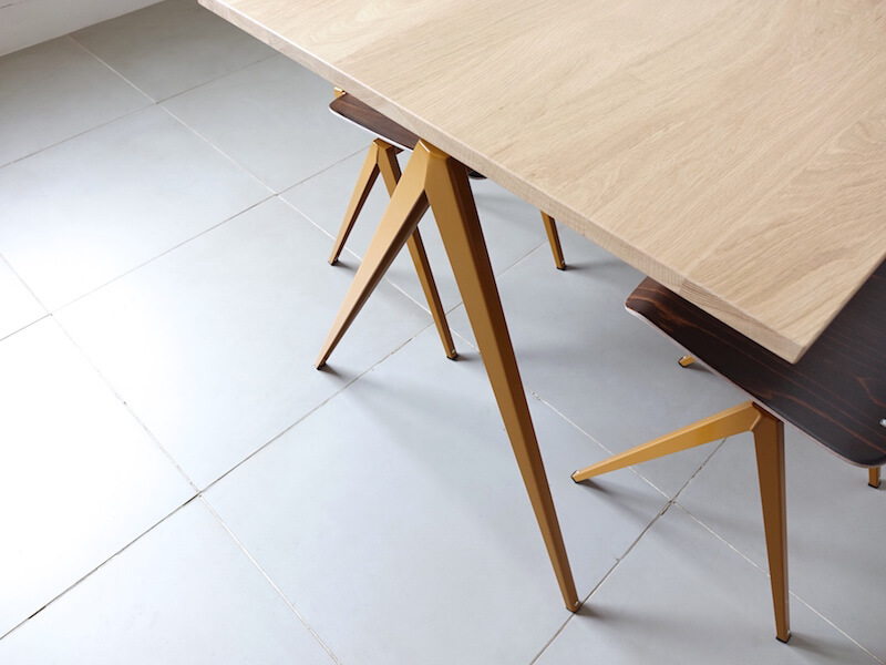 TD.4 Table / Ocher brown