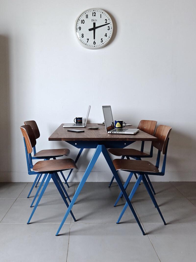 TD.4 Table / Azure blue