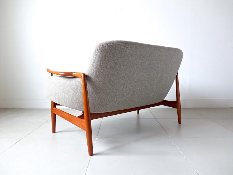 NV53 Sofa by Finn Juhl for Niels Vodder