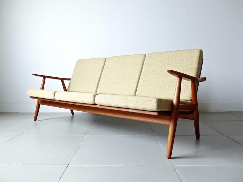 Sofa GE270 by Hans J. Wegner for GETAMA