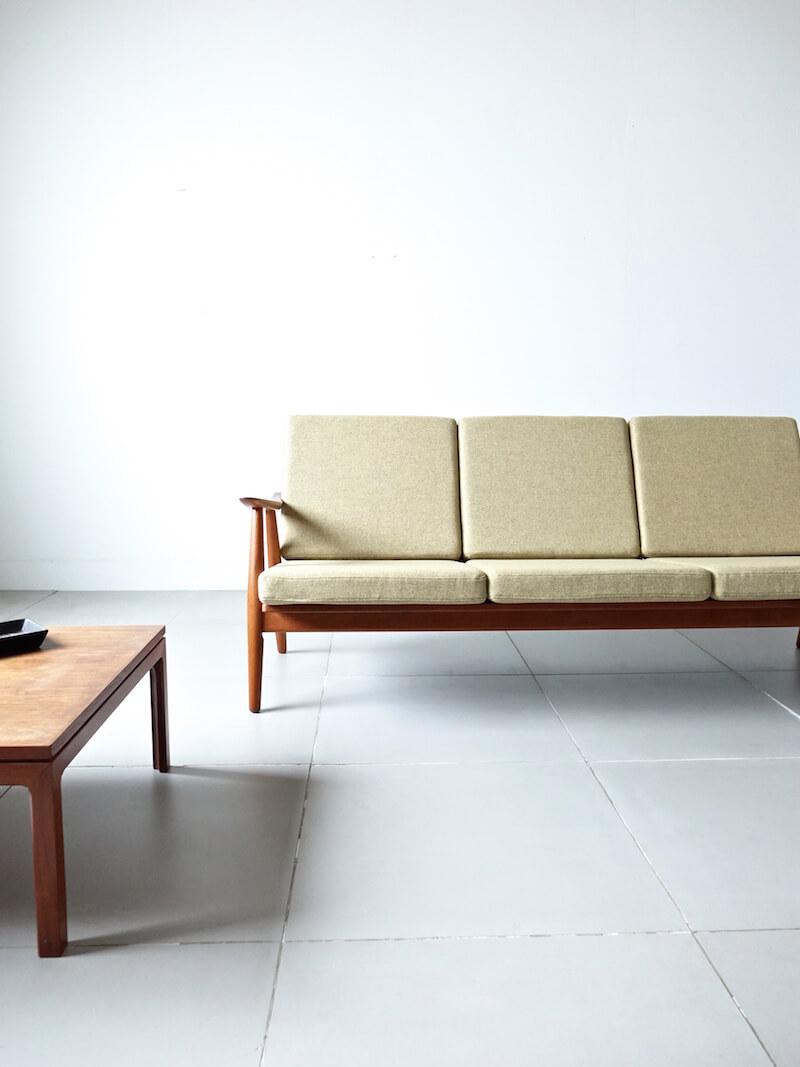 Sofa GE270 by Hans J. Wegner for GETAMA