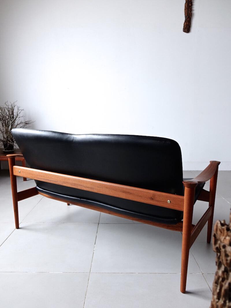 Model.711 sofa by Fredrik Kayser for Vatne Lenestolfabrikk