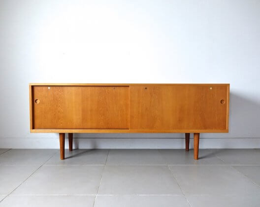 RY26 sideboard by Hans J. Wegner for RY Mobler (oak)