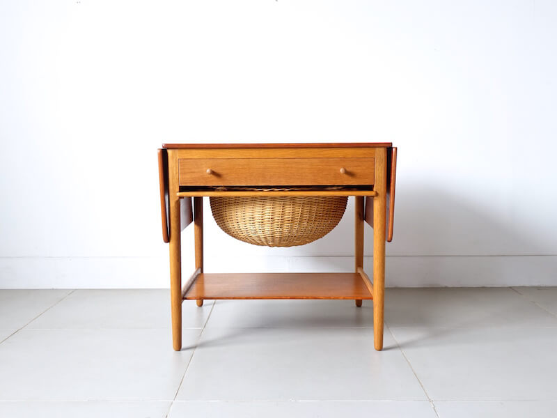 AT33 Sewing table by Hans J.Wegner for Andreas Tuck