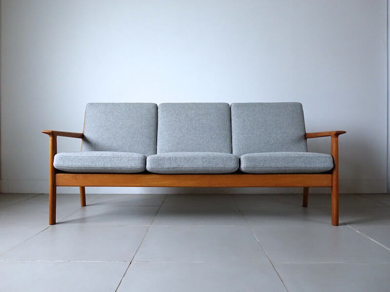 Sofa GE265 by Hans J. Wegner for GETAMA