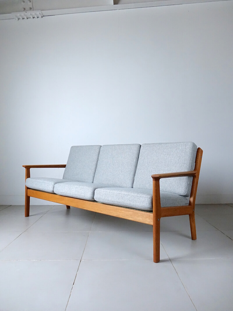 Sofa GE265 by Hans J. Wegner for GETAMA