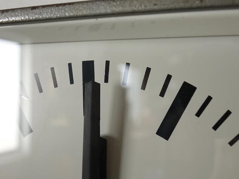 Pragotron clock (square)