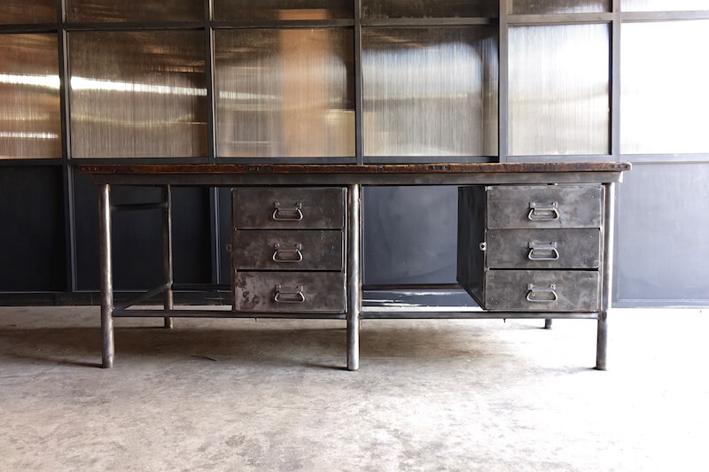 Huge iron shop counter / ヴィンテージインダストリアルカウンター