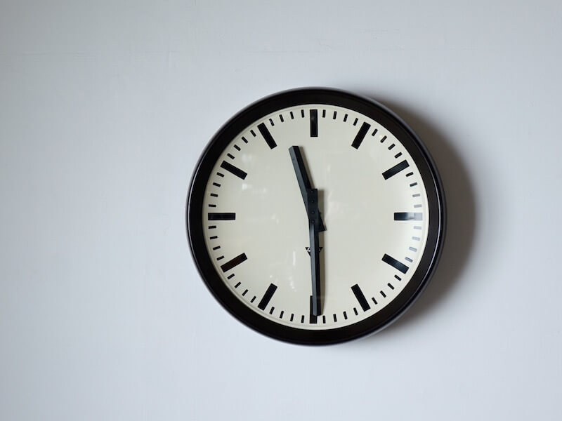 huge pragotron clock