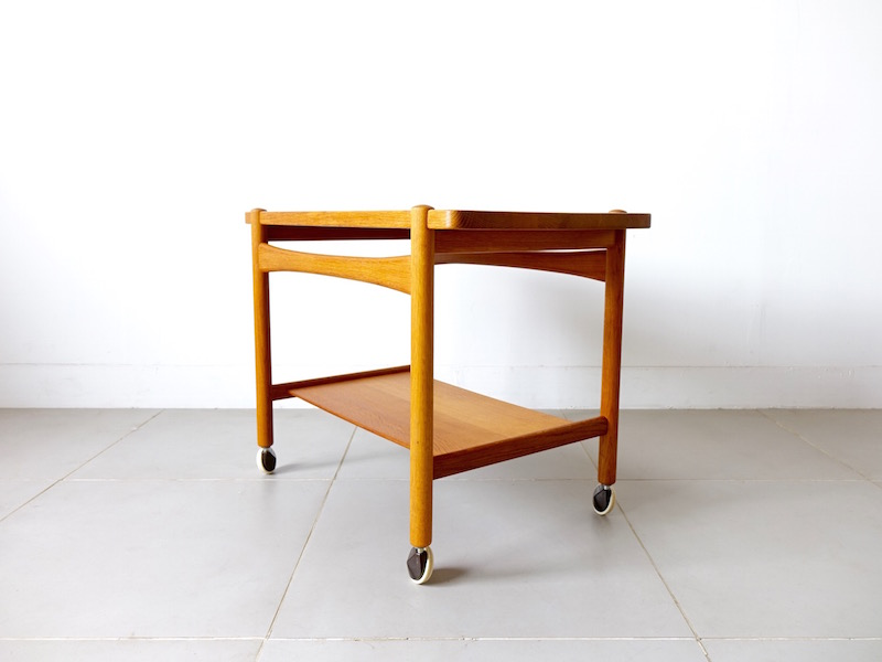 AT48 Tray table/trolley by Hans J. Wegner for Andreas Tuck