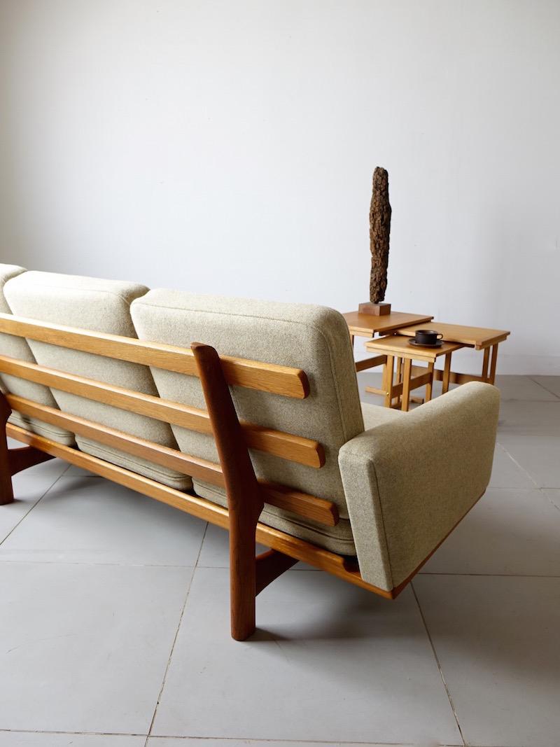GE235 sofa by Hans J. Wegner for GETAMA