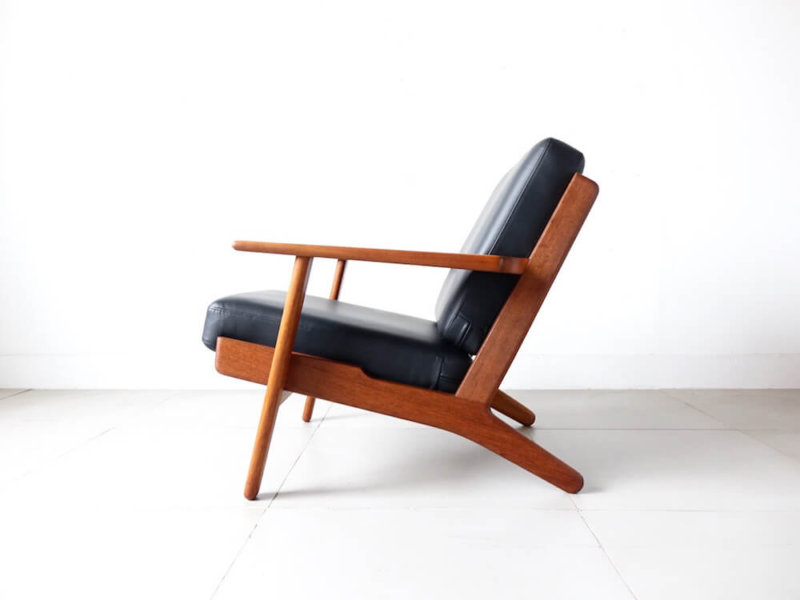 "Eazy chair ""GE290"" by Hans J. Wegner in teak"