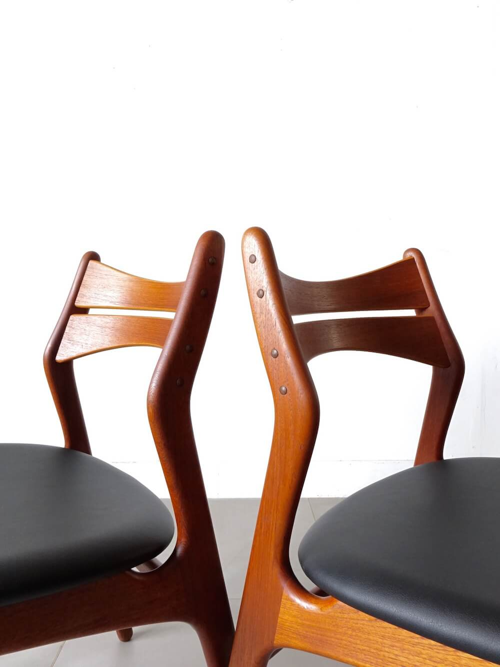 Model.310 Dining chairs by Erik Buch for Chr. Christiansen