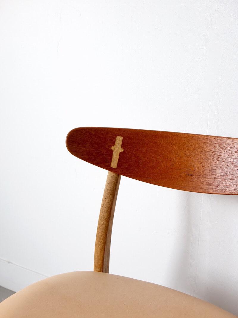 CH30/leather by Hans J. Wegner for Carl Hansen & Son