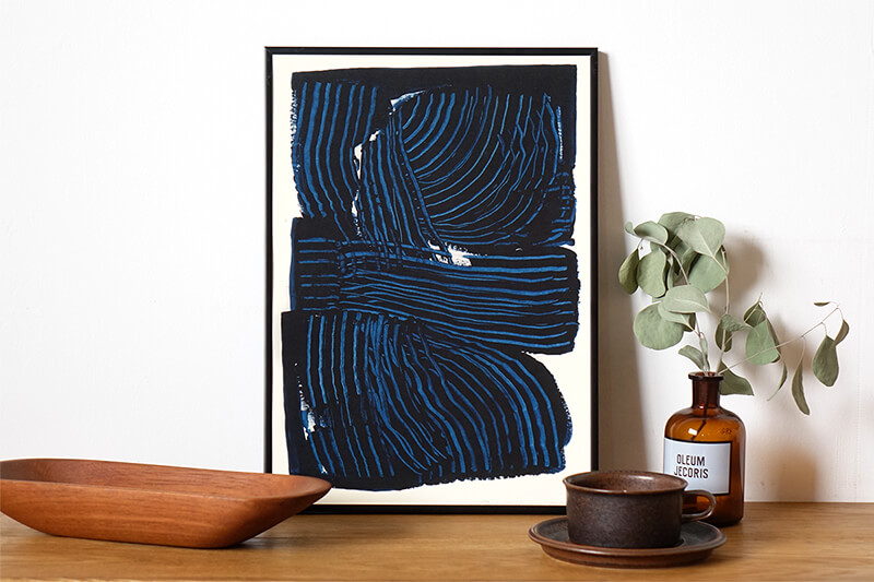 Navy flow by Leise Dich Abrahamsen