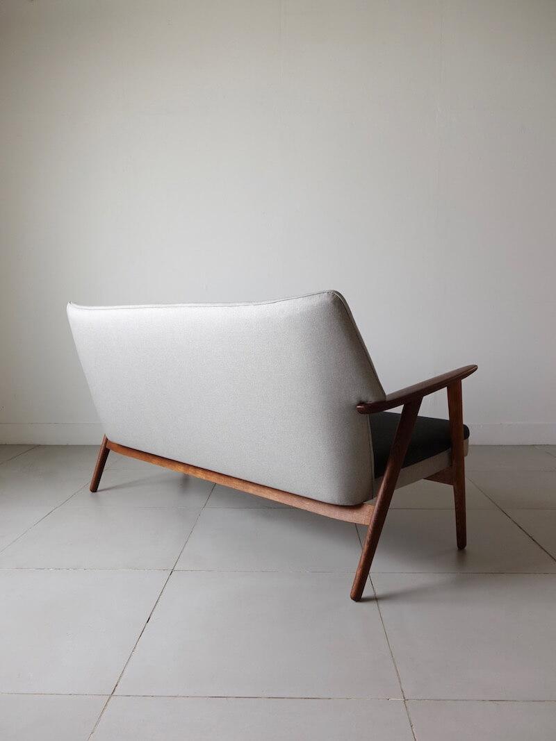 Model.230 sofa by Kurt Olsen for Slagelse Mobelvark / 2105D174