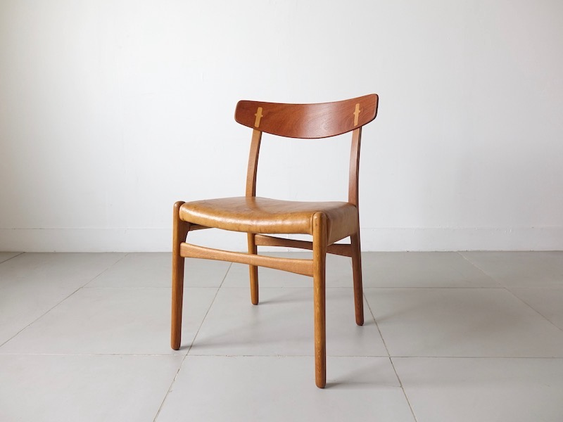 Dining chair CH23 by Hans J. Wegner for Carl Hansen & Son with Nubuck leather
