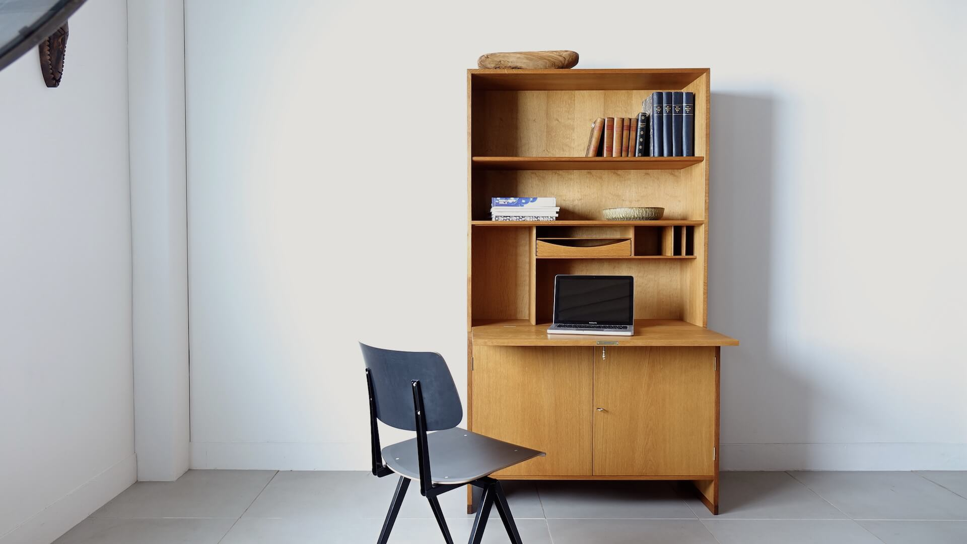 RY series writing cabinet by Hans J. Wegner