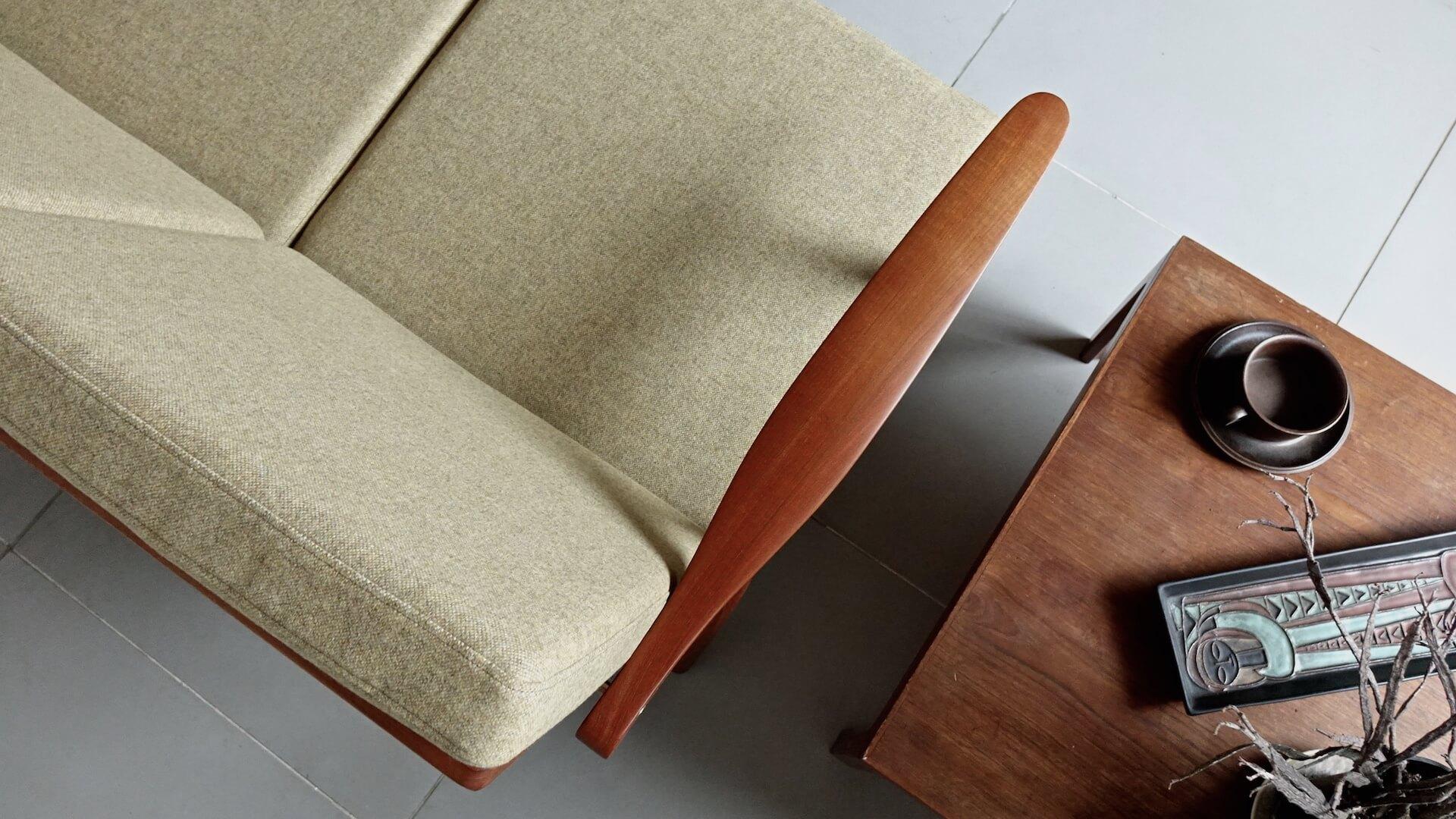 """Sofa """"GE270"""" by Hans J. Wegner for GETAMA"""