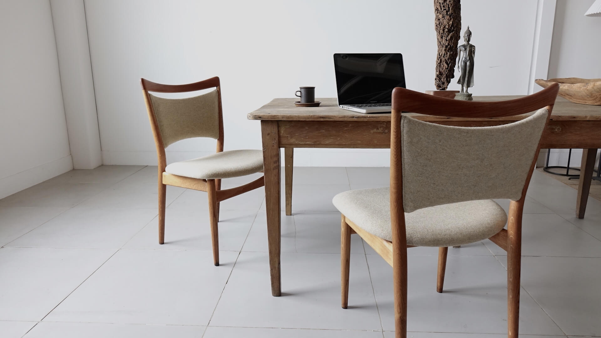 """Model.86"" Dining chairs by Finn Juhl"